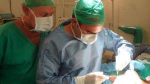 Filho de peixe, peixinho é. E neto também. Um novo cirurgião plástico desponta no Brasil.