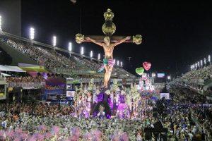 Mangueira pretende fazer desfile virtual em 2021