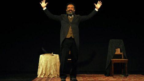 Déo Garcez, da novela Salve-Se Quem Puder, volta aos palcos no dia da Abolição